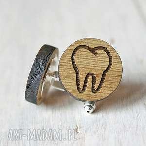 Dębowe spinki do mankietów ZĄB dla dentysty, dentysta, drewniane, ząbek,