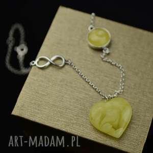handmade naszyjniki krótki naszyjnik z bursztynowym sercem srebro
