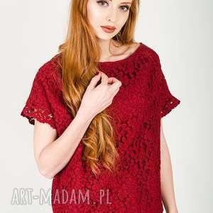 ręczne wykonanie bluzki czerwona koronkowa bluzka