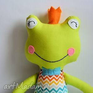 maskotki żabka - książę z tęczowym brzuszkiem, żabka, książę, bajka, zabawka