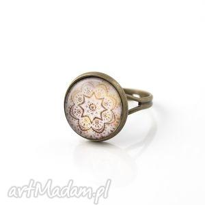 Pierścionek z grafiką, pierścionek, szklany, grafika, okrągły, regulowany, vintage
