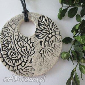wisior ceramiczny - ,wisiorek,ceramika,wzorzysty,