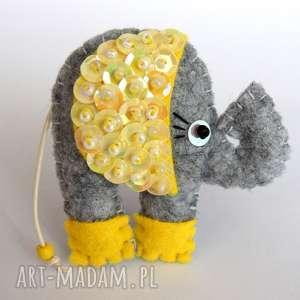 Cekinowy słoń broszka z filcu, filc, słoń, broszka, cekiny, błyszczący, biżuteria