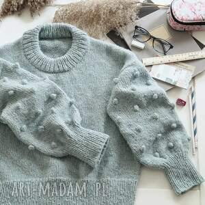 pod choinkę prezent, turkusowy bomberek, sweter, dziergany, wełniany, alpaka