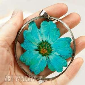 z02 naszyjnik z suszonymi kwiatami, herbarium jewelry, kwiaty w żywicy