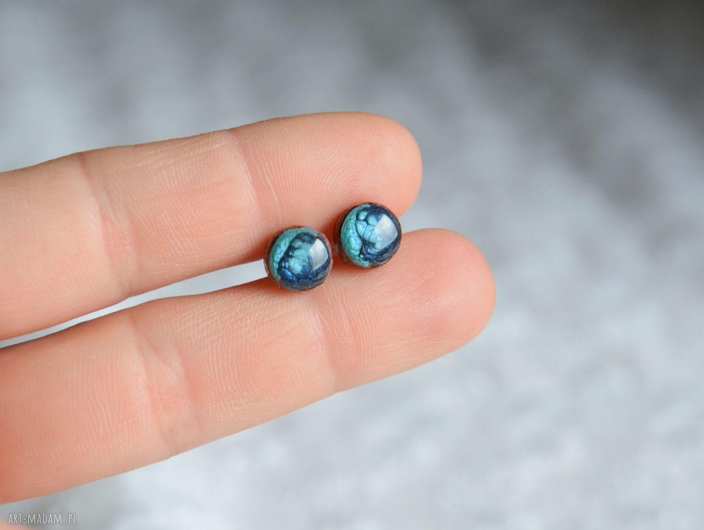 nietuzinkowe kolczyki błękit jak ocean ręcznie malowane