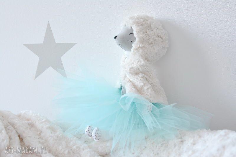 szare zabawki baletnica sarenka zimowa