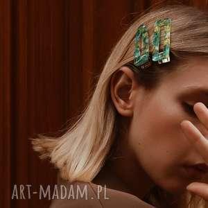 handmade ozdoby do włosów spinka z zielonej żywicy