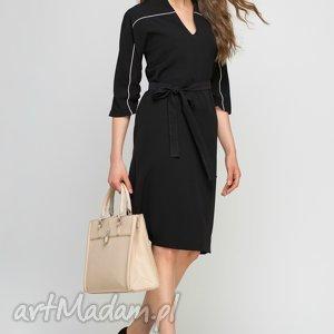 Sukienka, SUK141 czarny, lamówka, czarna, kieszenie, pasek, elegancka, praca