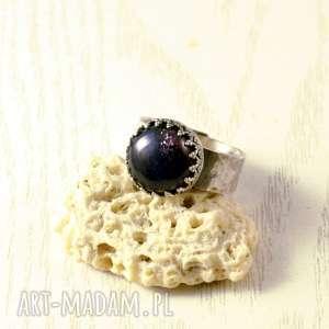 iolit, koronki i kolacja we dwoje, srebro, elegancki, pierścionek