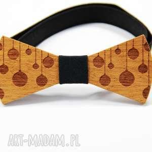 handmade pomysł na upominek święta muszka drewniana