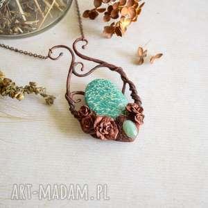 różany naszyjnik z amazonitem rosyjskim, amazonit, róże, naszyjnik, dla niej