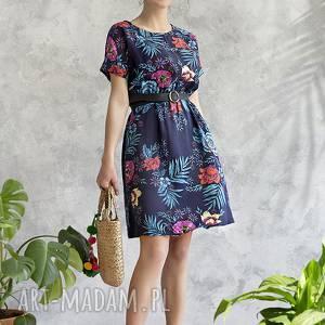 sukienki sukienka granatowa w kwiaty, sukienka, midi, wiskoza, wygodna