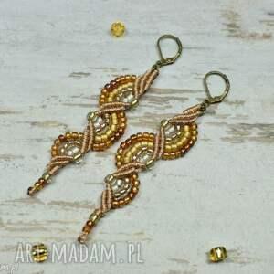 Prezent Eleganckie, szykowne długie kolczyki w odcieniach złota. Makrama