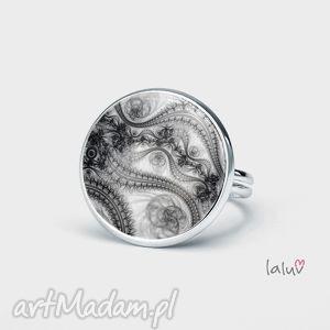 pierścionek litoryt, grafika, rycina, dłuto, grafit, rękodzieło, prezent