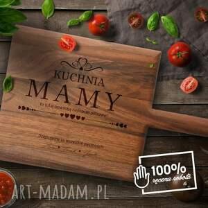 kuchnia mamy - deska do krojenia z litego drewna orzechowego grawerem