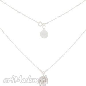 srebrny łańcuszkowy modowy naszyjnik z czaszką czachą srebro