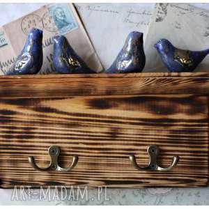 handmade ceramika półeczka wieszaczek z granatowymi ptaszkami