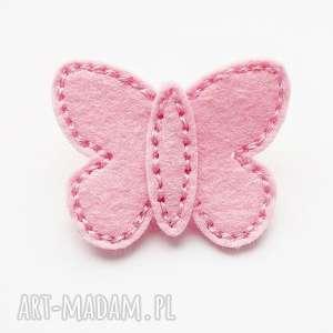 Spineczka do włosów różowy motylek, szyty, spineczka, filc