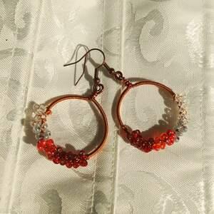 aksinicoffeepainting koło czerwieni - kolczyki z koralików
