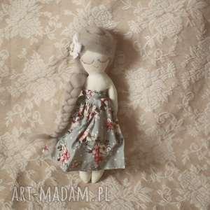 lalki wiosenna bajka - grafitowa wróżka, lalka, bajka, kwiatuszki, różyczki, motylki