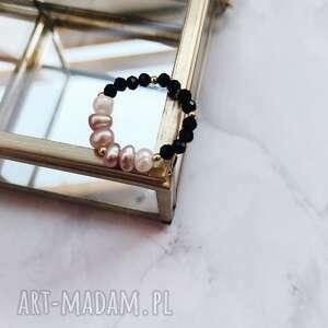 pierścionek - perły, onyks, hematyt, złoto