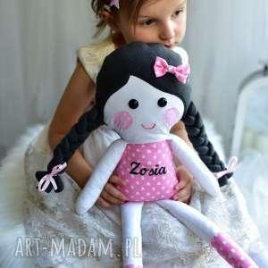 lalka w warkoczach z imieniem - lalka szmacianka, lalka, pomysł na prezent, dekoracja
