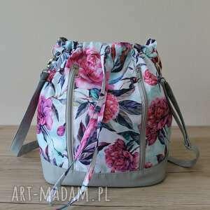 handmade plecak worek torba - piwonie na miętowym tle