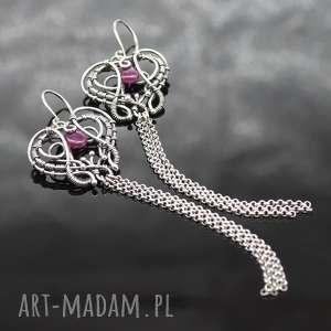 długie kolczyki z rubinami i srebrnymi chwostami