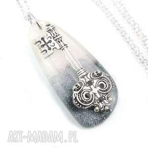 hand-made wisiorki 0832/mela - wisiorek z żywicy, antyczny klucz