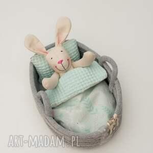 ręcznie robione dla dziecka króliczek w łóżeczku koszu
