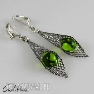 klipsy zielone w rożku - klipsy, wiszące, krople, szklane, łezki, długie