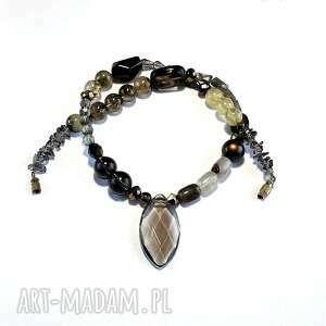vintage style naszyjnik w duchu pięknej starej biżuterii oraz modnym stylu