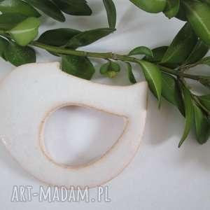 broszka ptaszek - ceramiczna, biała, ptak, ceramiczny