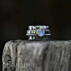 pierścień z kamieniem księżycowym, kamień księżycowy, podwójny pierścionek