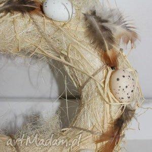 wianek wielkanocny jajka piórka pisanki, wianek, dekoracjewielkanocne, dodatki
