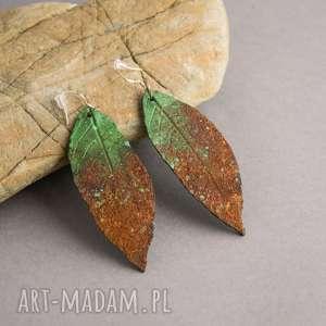Prezent Zielone kolczyki z efektem rdzy, kolczyki, liście, natura, polymerclay