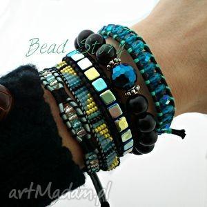 capri blue,czerń i żółć, koraliki, szkło, rzemień, sznurek, guziki, gumka