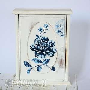 pudełka szafka na klucze - angielski szyk, szafka, klucze, wieś, kwiaty, ślub