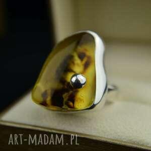 pierścionek z dużym bursztynem srebro, bursztynem, bursztyn, duży