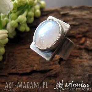 Masywny pierścionek z kamieniem słonecznym, srebrny oksdowany pierścionek, rozmiar 19