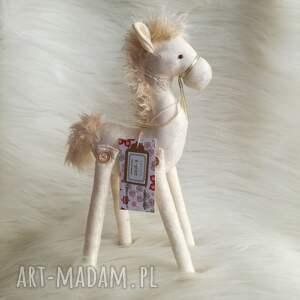świąteczny prezent, pokoik dziecka dekoracja tekstylna konik, źrebak, szyty, koń