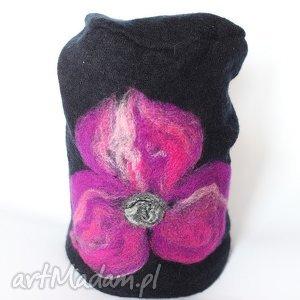 czapka handmade czesanką filcowane - czapka, welna, merynosy, filc, zima, prezent