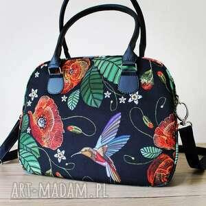 ręcznie robione na ramię kuferek - maki i kolorowe kolibry