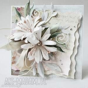 wyjątkowy prezent, z kwiatami - w pudełku, ślub, życzenia, podziękowanie, gratulacje