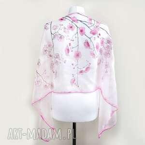 biały szal jedwabny kwiaty wiśni ręcznie malowany, jedwabna chusta, malowana
