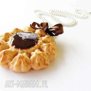 naszyjnik ciasteczko z kremem czekoladowym, naszyjnik, modelina, fimo, masa