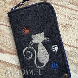 filcowe etui na telefon - kotek, smartfon, pokrowiec, kotki, koraliki, prezent