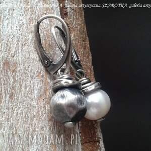 połowa perłowa kolczyki z naturalnych pereł i srebra, perła naturalna