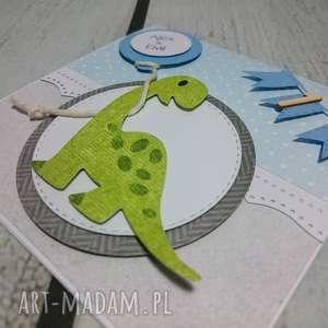 Zaproszenie / kartka dinow chmyrkach lub z girlandą, dinozaur, zaproszenie, urodziny